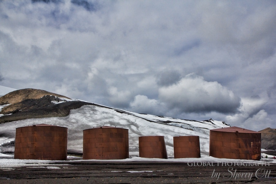 things to do in antarctica abandoned buildings