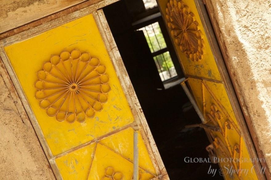 Door abandoned village Bani Habib