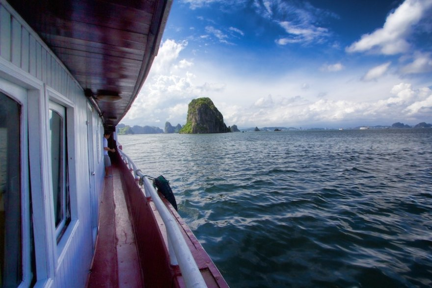Ha long bay junk boat