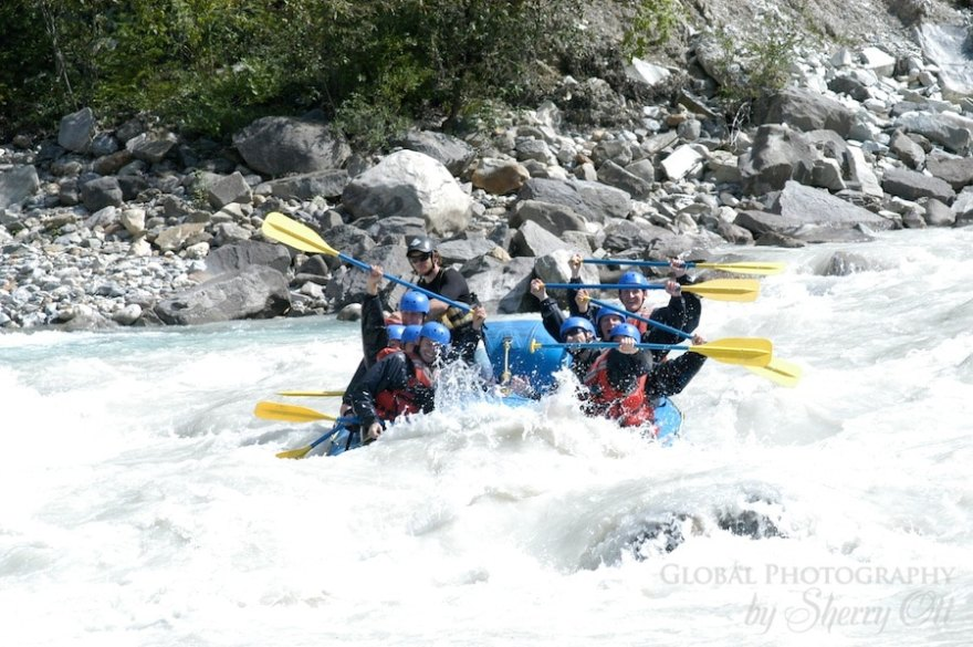 White water rafting golden bc