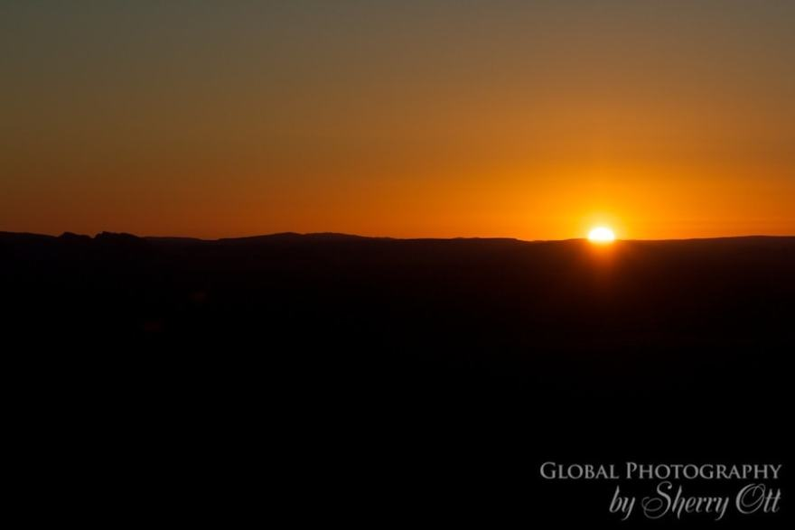 Hot air ballon sunrise outback