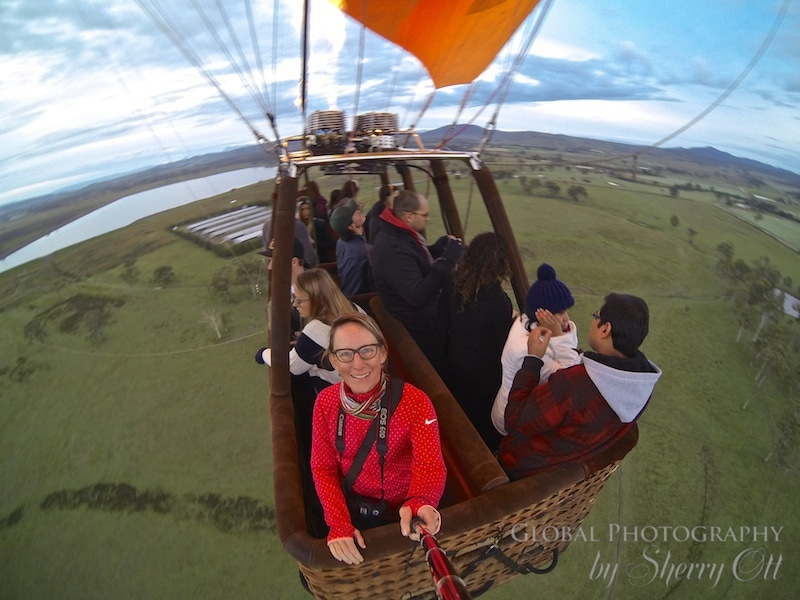 hot air balloon ride queensland