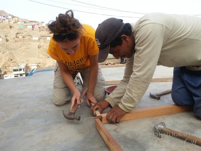 Building homes Las Laderas