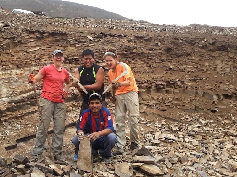 volunteering las laderas peru