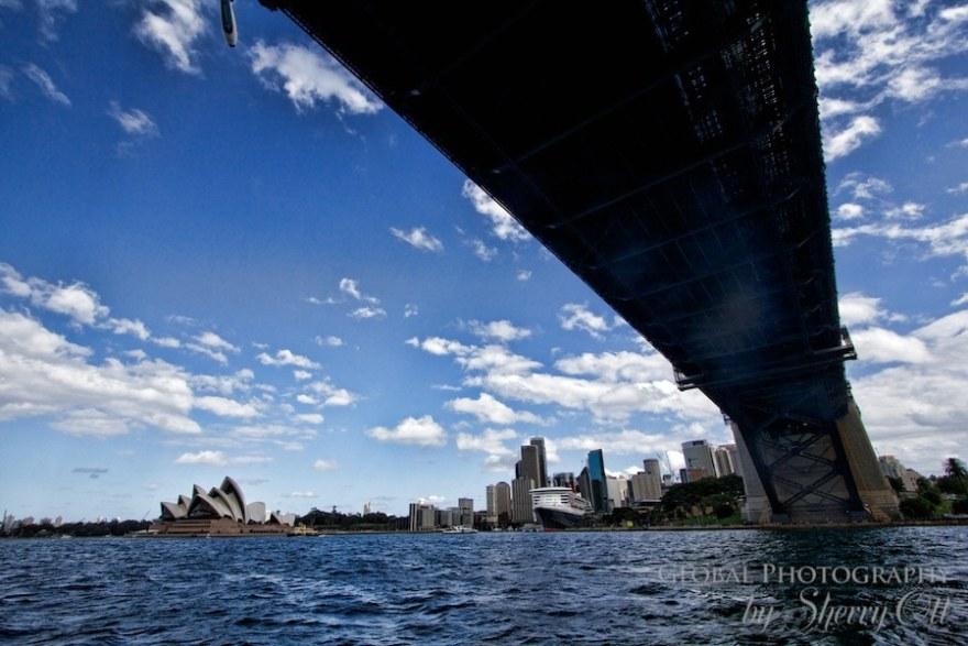 syndey harbor bridge sailing
