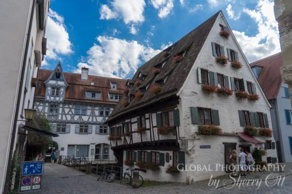 crooked hotel ulm