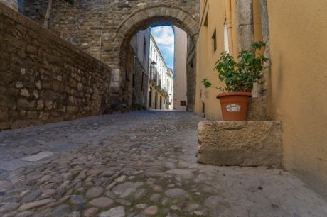 Besalu photo walk