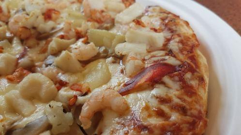 eat lobster pizza new brunswick