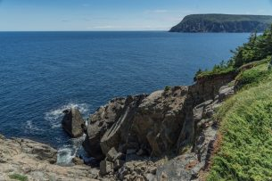 middle head hike cape breton