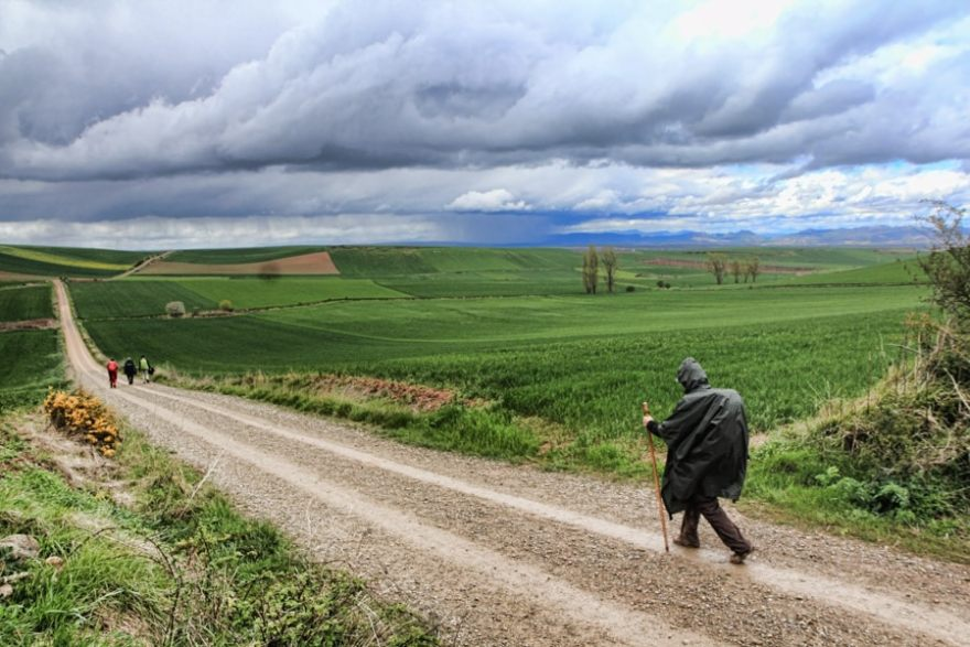 walking the camino de santiago solo