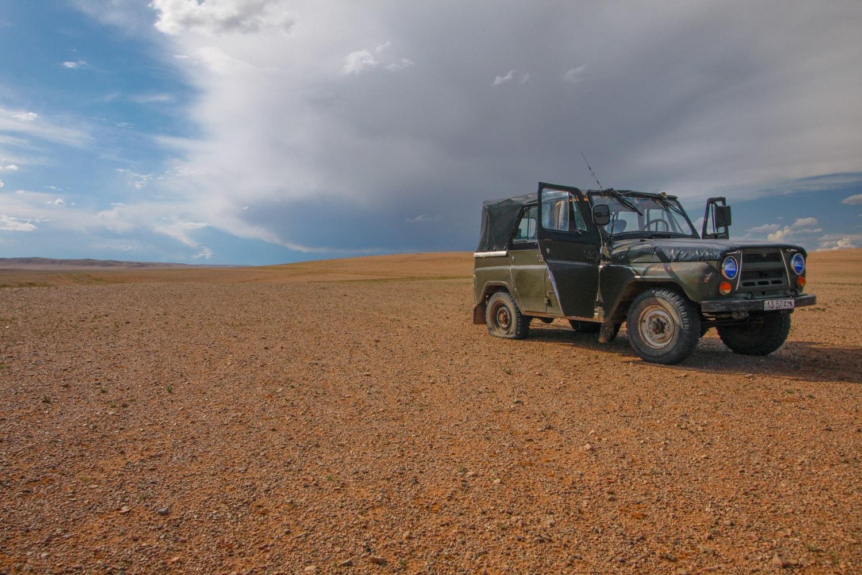 russian jeep gobi desert