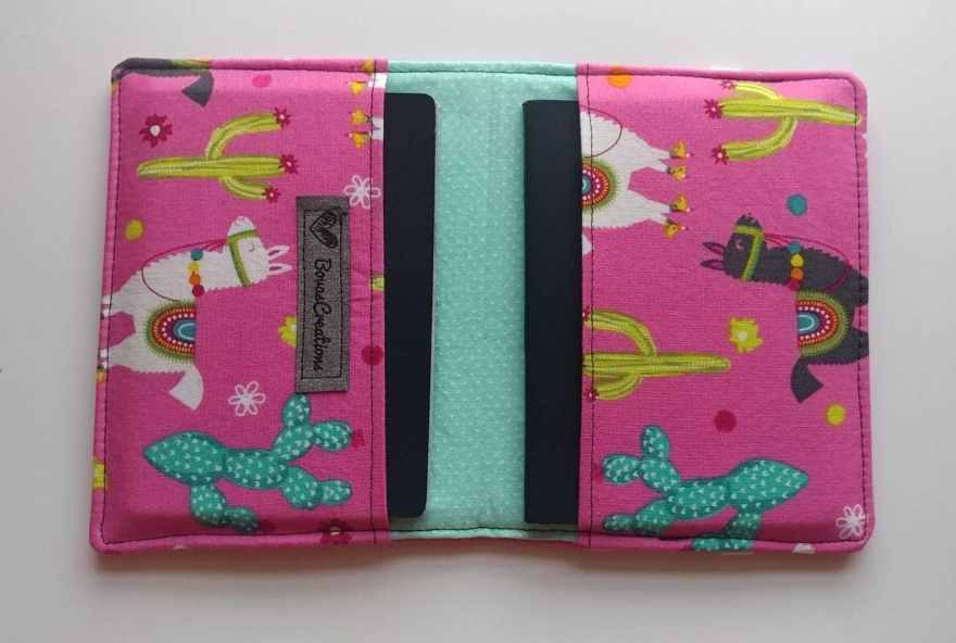 passport holder llama