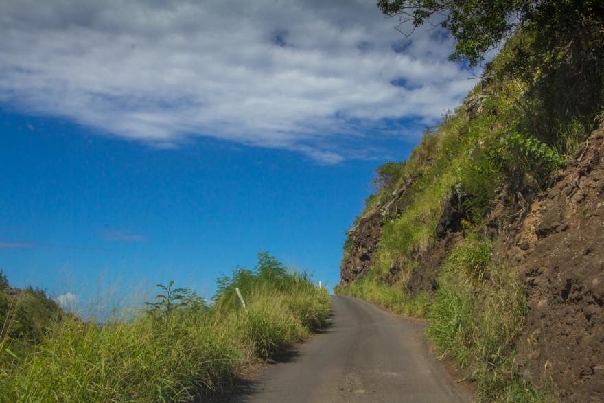 kahekili highway single lane road