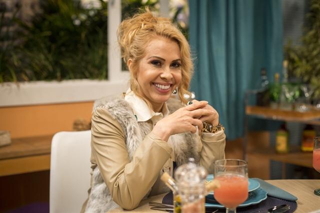 "Joelma durante esquete do ""Adnight Show"" (Foto: Globo/Marilia Cabral)"