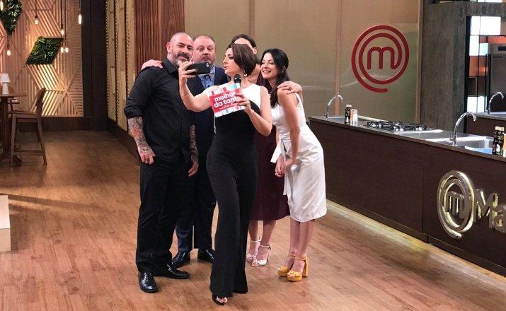 Catia Fonseca passou pelo MasterChef na estreia do Melhor da Tarde (Foto: Divulgação/Band)
