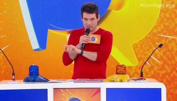 O apresentador Celso Portiolli no Domingo Legal (Foto: Reprodução/SBT)