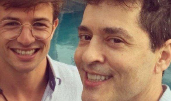 Tiago Santiago e namorado (Reprodução TV Foco)