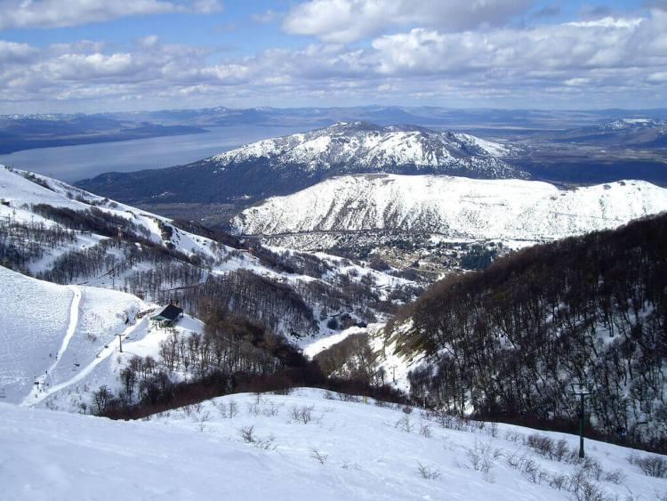 L'Argentine dispose de très beaux domaines skiables, très bien équipés pour skier en été