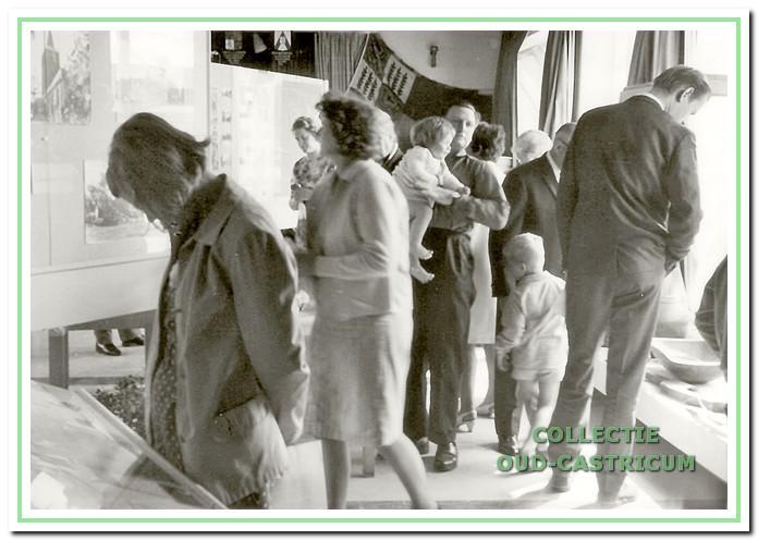 Exposities. Sinds de oprichting heeft de werkgroep tentoonstellingen georganiseerd. De eerste kreeg de naam 'Castricum vroeger en nu' en werd in 1967 gehouden in de aula van de Juliana van Stolbergschool.
