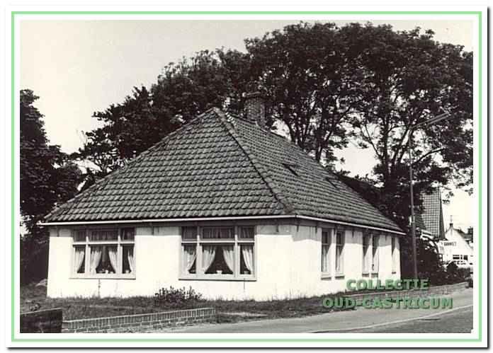 In dit huis aan de Heereweg 8, dat in 1993 is afgebroken, was café Het Haasje gevestigd.