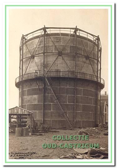 De grote gashouder gebouwd in 1932 met een inhoud van 1500 kubieke meter.