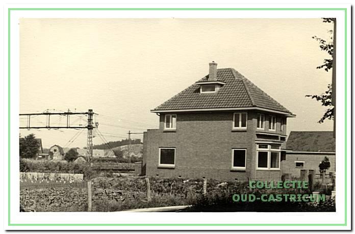 Het nog betrekkelijk nieuwe huis van zuster Baartscheer (op schets nummer 20).