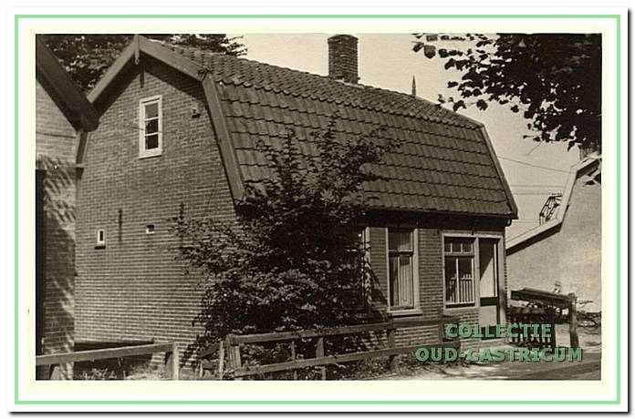 Het huis van Hein Zonneveld, de groenteboer (op schets nummer 3).