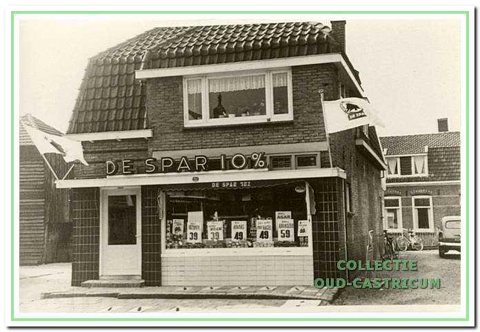 De winkel van Twisk aan de Van Oldenbarneveldweg 6.