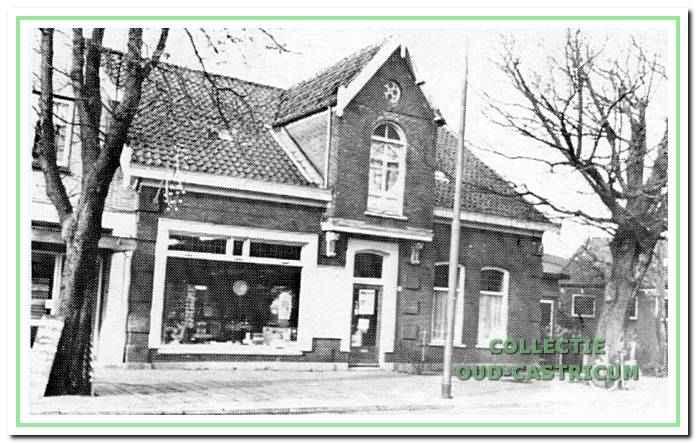 Het pand Dorpsstraat 36 na een verbouwing door loodgieter Gerard de Rooij.