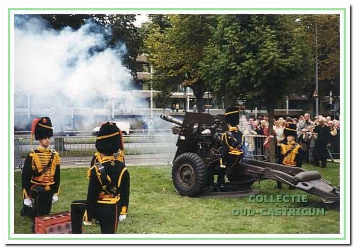 1999: Onthulling van het monument van de Slag bij Castricum in 1799.