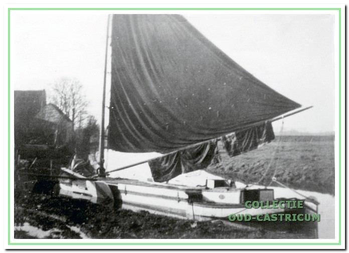 De vlet 'Door gunst verkregen' van Freek Hollenberg in de Schulpvaart.