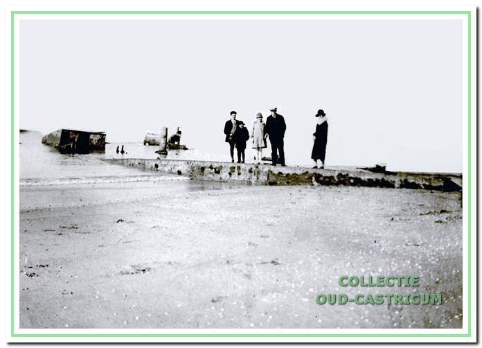 De Salamander is in 1910 gestrand en er zijn diverse pogingen gedaan om het Duitse oorlogsschip te bergen.