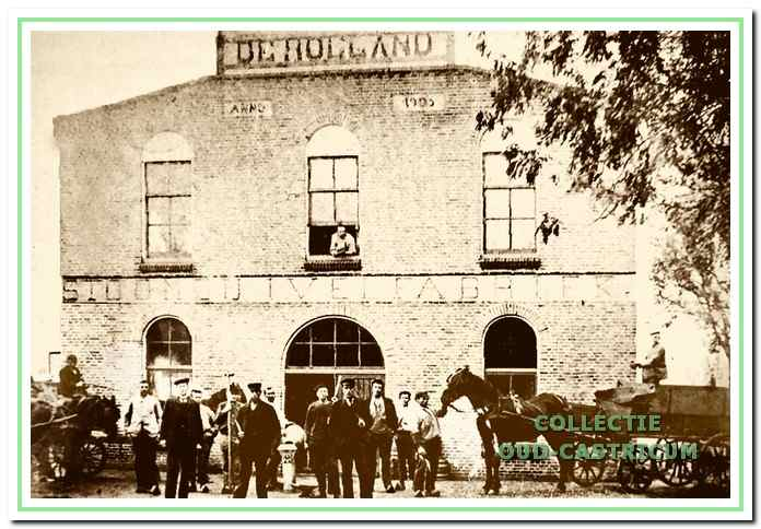 De Stoomzuivelfabriek 'De Holland' met eigenaren, personeel en leveranciers.