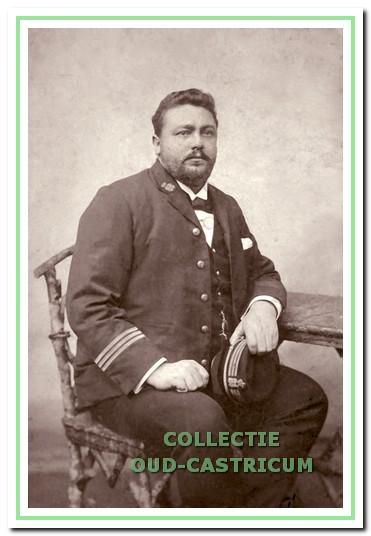 Theodorus Lodewijk Arnold (1872-1919), scheepsgezagvoerder bij de KPM en stichter van Funadama, Dorpsstraat 2.