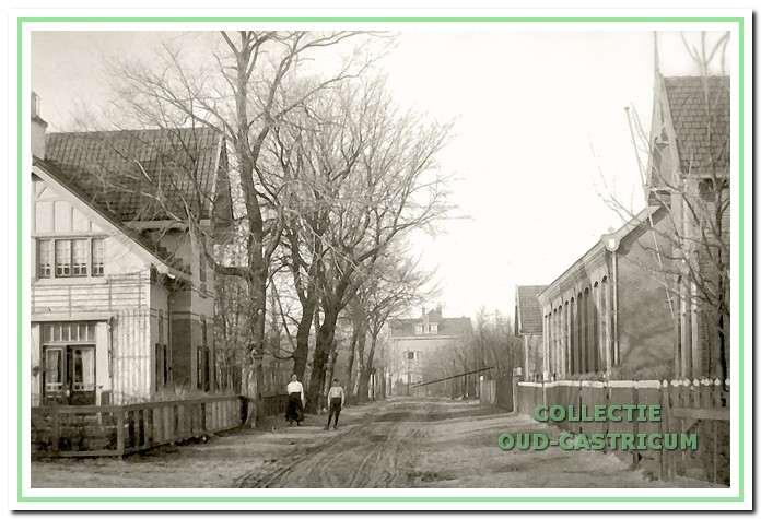 De openbare lagere school aan de van Oldenbarneveldweg in Bakkum.