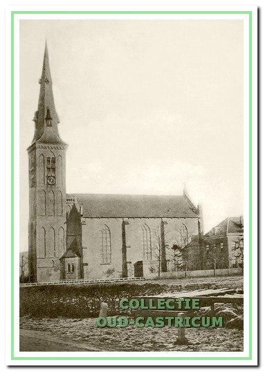 Foto uit 1902 van de in slechte staat verkerende kerk.
