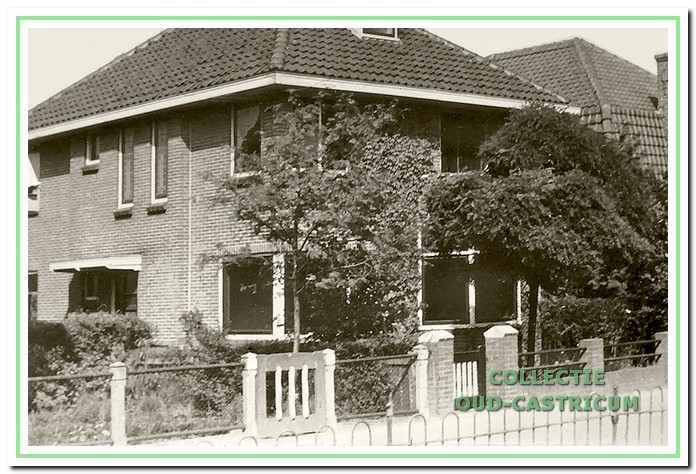 Het woonhuis van Carl Bakhoven (nummer 16); na zijn overlijden in 1936 wordt Henri Bakhoven de hoofdbewoner.