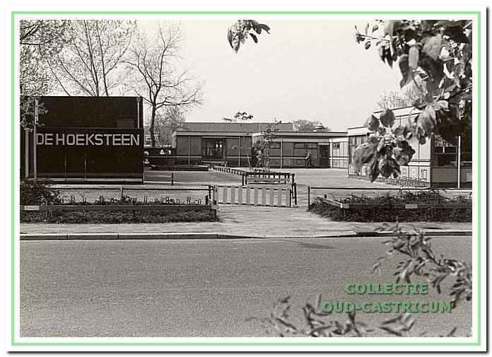 Rooms-katholieke School De Hoeksteen aan het Strengh hoek Cieweg.