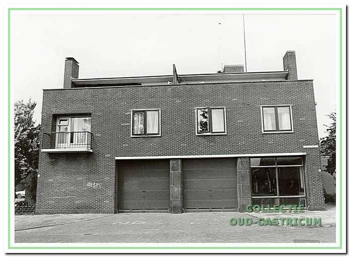 De brandweerkazerne aan de kant van de Brakenburgstraat in Castricum.