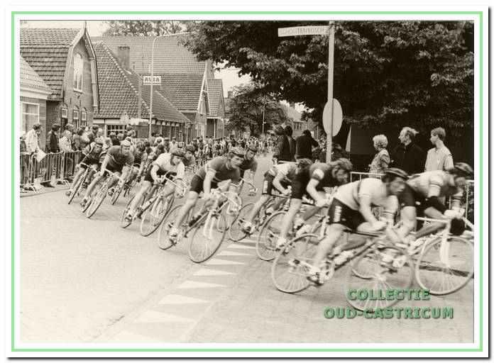 Moment tijdens het sportevenement onderdeel wielrennen 'de Dubbele Lus' van Castricum; sinds 2008 is het enkel een loopevenement.
