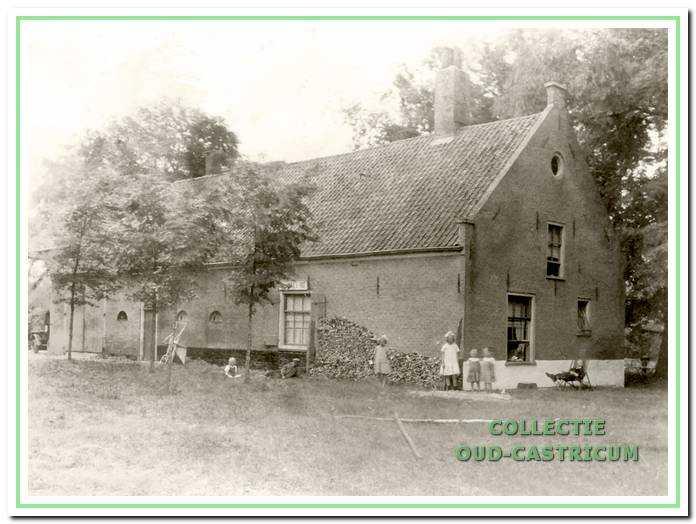 Johanna's Hof was een lange boerderij en lag evenwijdig langs Zeeweg en vaart. De voorgevel staat op het oosten. Hier de zuid- en oostgevel.