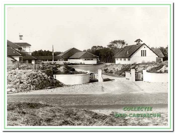 De bouw van het kindertehuis Sint-Antonius is gereed in 1934.