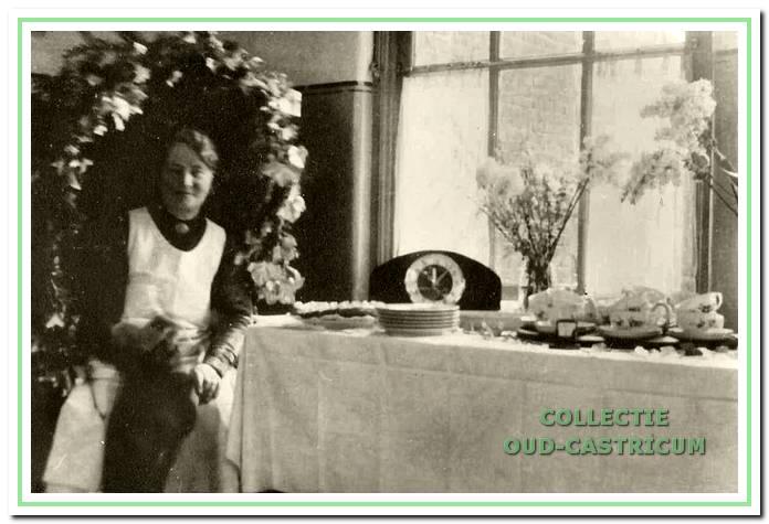 Zuster Plas werd ook wel aangeduid als 'Mooie Aaltje uit Edam'. Ze heeft veel voor Castricum betekend.