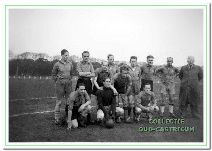 Hel elftal dat in 1950 kampioen werd in de vierde klasse KNVB.