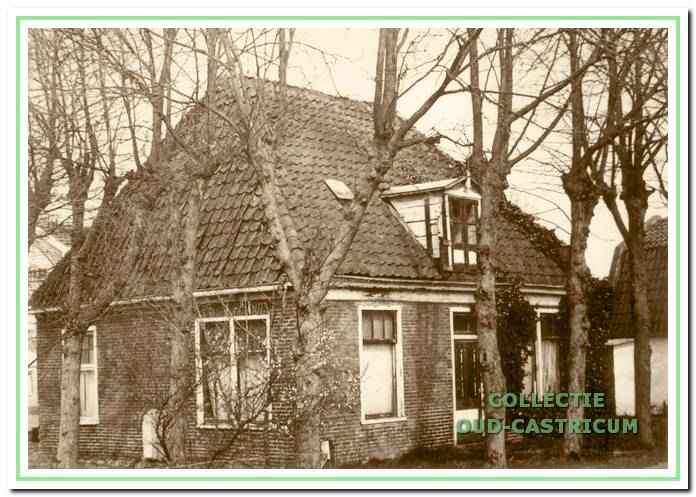 Eva 's Hof aan de Achterlaan (zie 38).