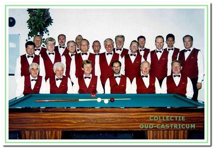 WIK-leden tijdens het 30-jarig bestaan in 1995.