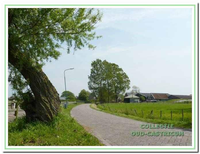 De Doodweg in het nog landelijke oostelijk deel van Castricum.