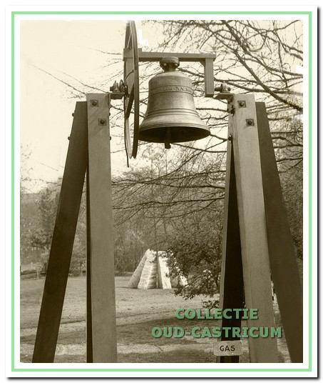 De klokkenstoel op het terrein van Duin en Bosch.