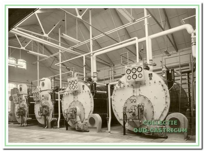 Het ketelhuis van Duin en Bosch had een aantal, flink grote, ketels voor de warmwatervoorziening.