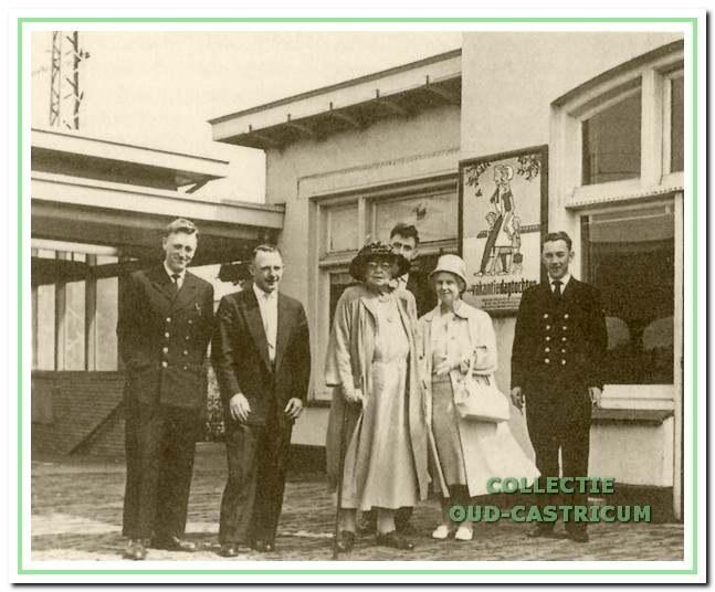 In 1960 werd station Castricum vereerd met een bezoek van een mevrouw uit Zuid Afrika.